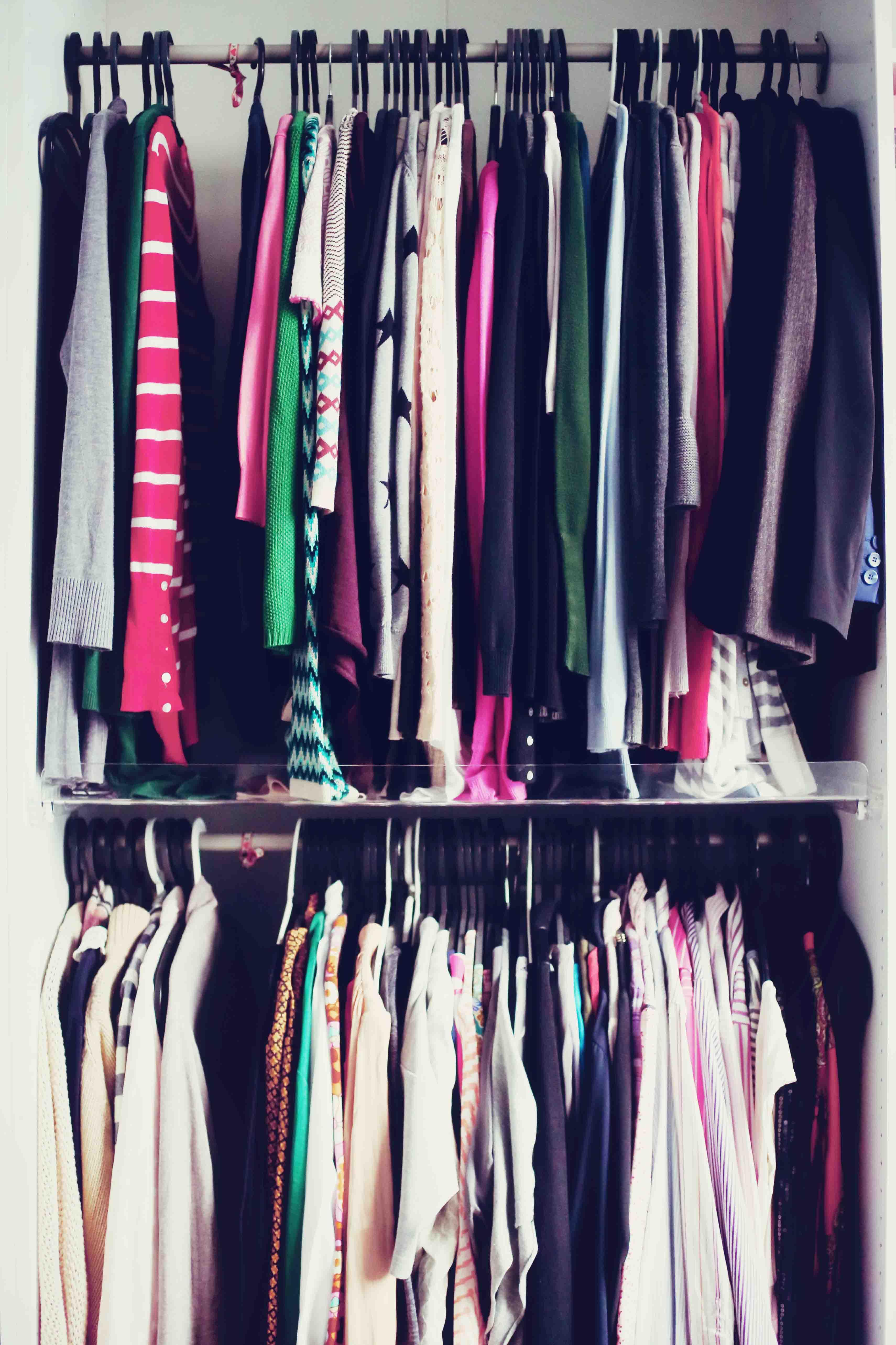 Ein Kleiner Blick In Meinen Kleiderschrank Und Warum Ein Geschenkband Auf Einmal Wichtig Fur Mich Ist