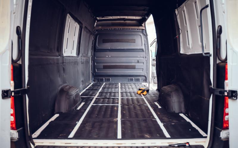 Camper Umbau Teil 3: Isolierung und Bodenplatte – über Alubutyl und Armaflex und die richtige Holzwahl