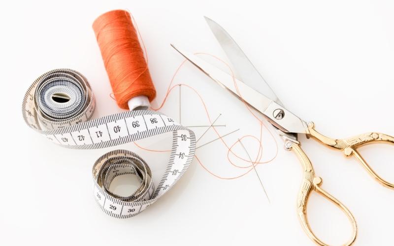 Pech&Schwefel Nählexikon: Teil 2 – Der Stoffverbrauch und Stoff richtig zuschneiden