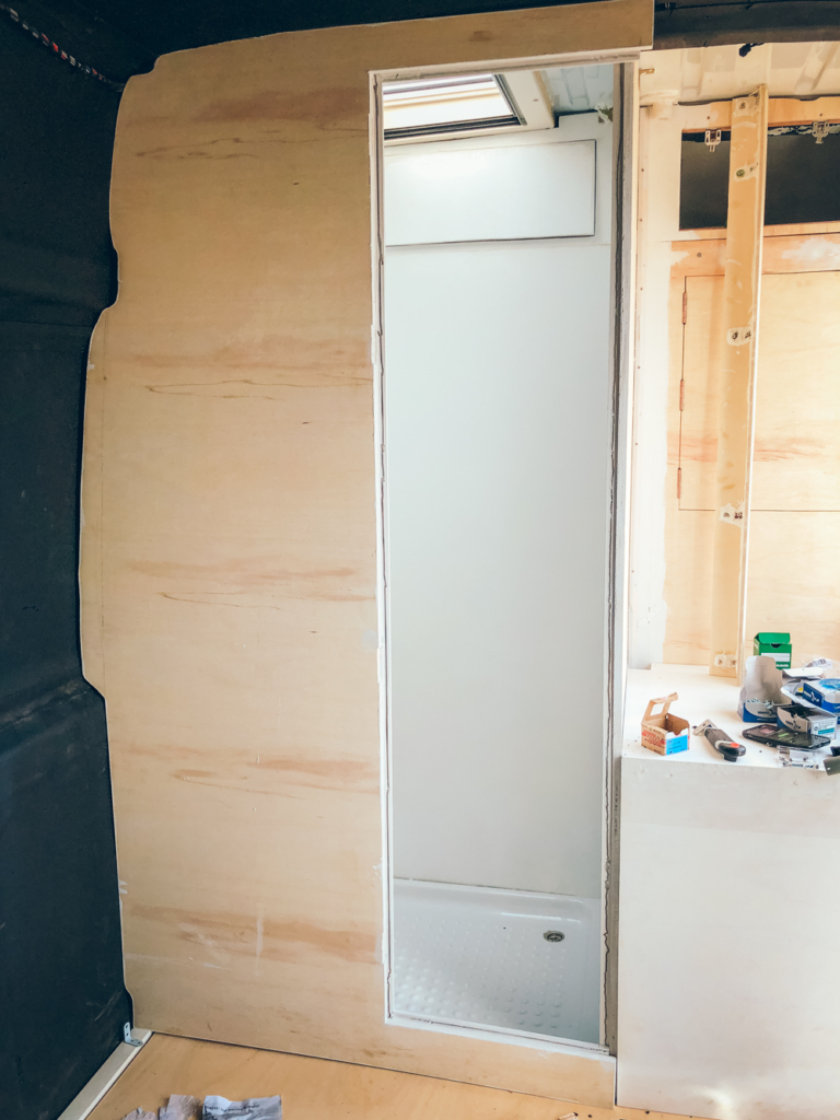 Camper Umbau Teil 15: Bad mit Trenntoilette - Pech & Schwefel
